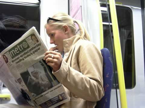 Recursive Newspaper optical illusion